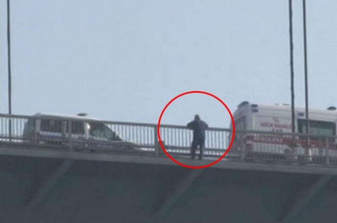 SON DAKİKA Fatih sultan Mehmet köprüsünde intihar